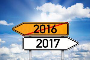 Schild Wegweiser mit 2016 und 2017