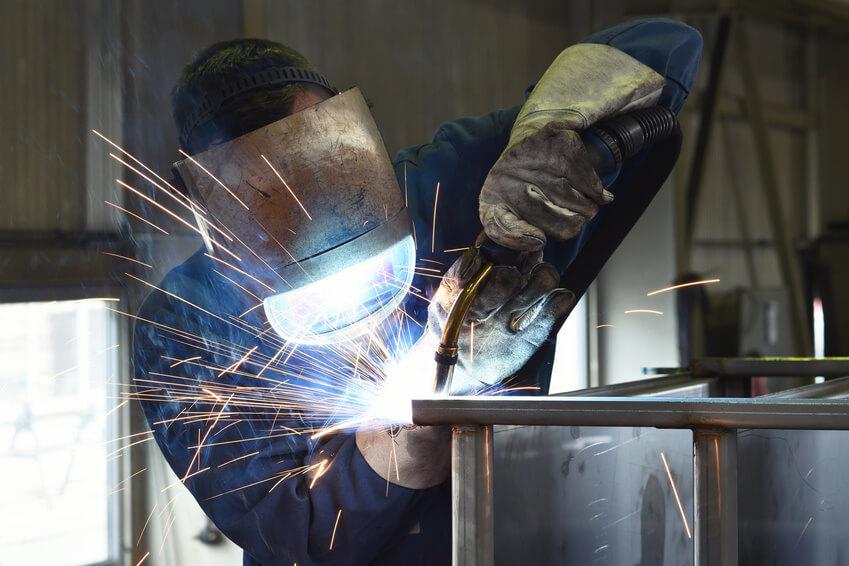 Schweier in der Industrie // welder at work