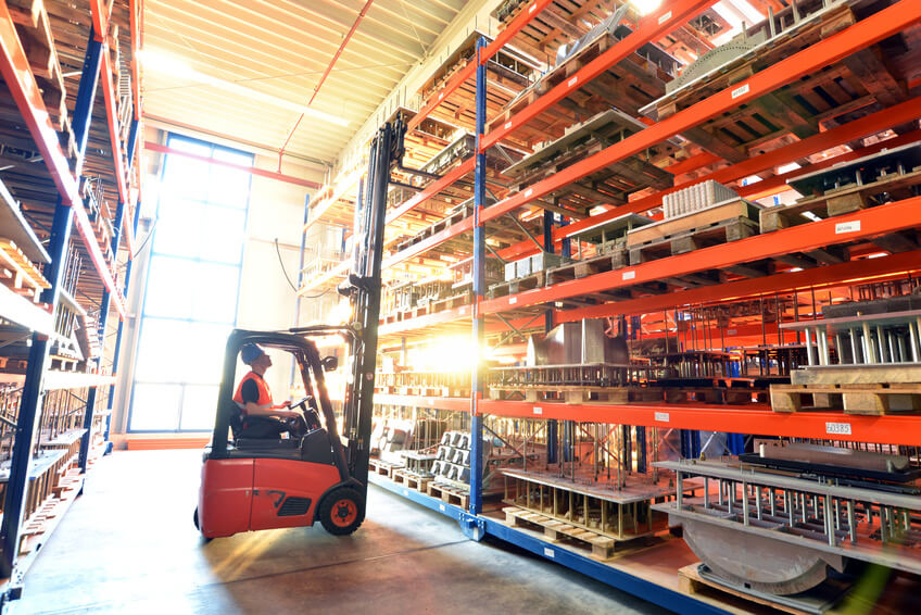 Lagerhaus und Transport // shipping and storage of industrial goods